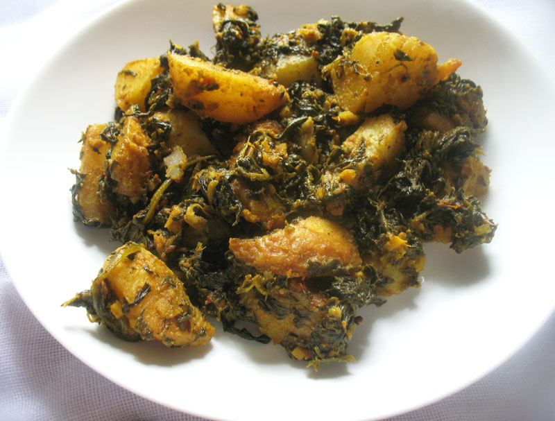 Saag Aloo (Spinach and Potato Curry) | Lisa's Kitchen | Vegetarian ...