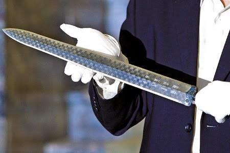 Pedang Legendaris Paling Mematikan