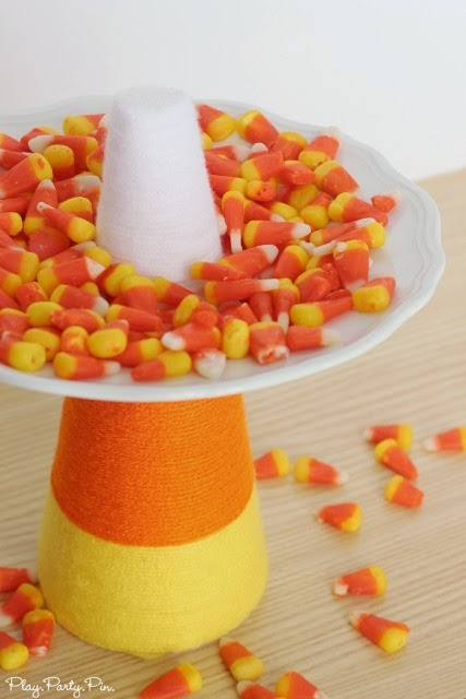 Easy Candy Corn Treat Plate from playpartypin.com, literally takes less than 15 minutes to make