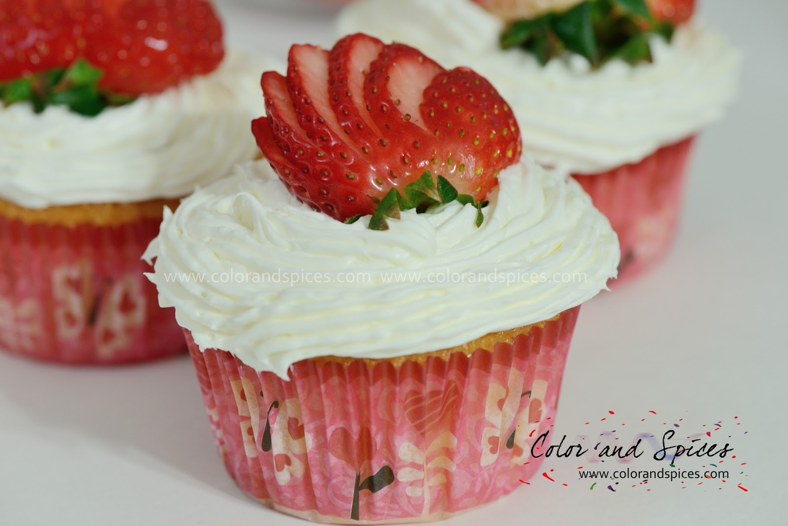 Color and Spices: Strawberry cupcake...