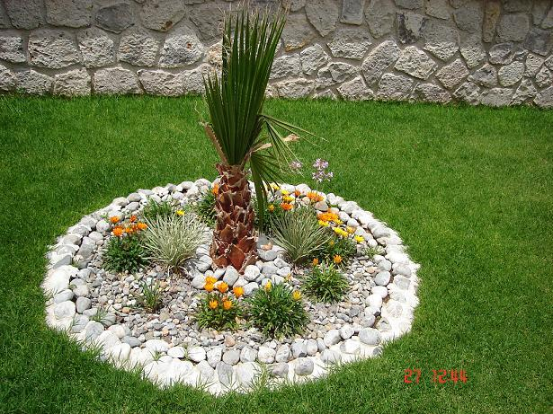 Decoraci n minimalista y contempor nea ideas y estilos for Piedras para decorar plantas