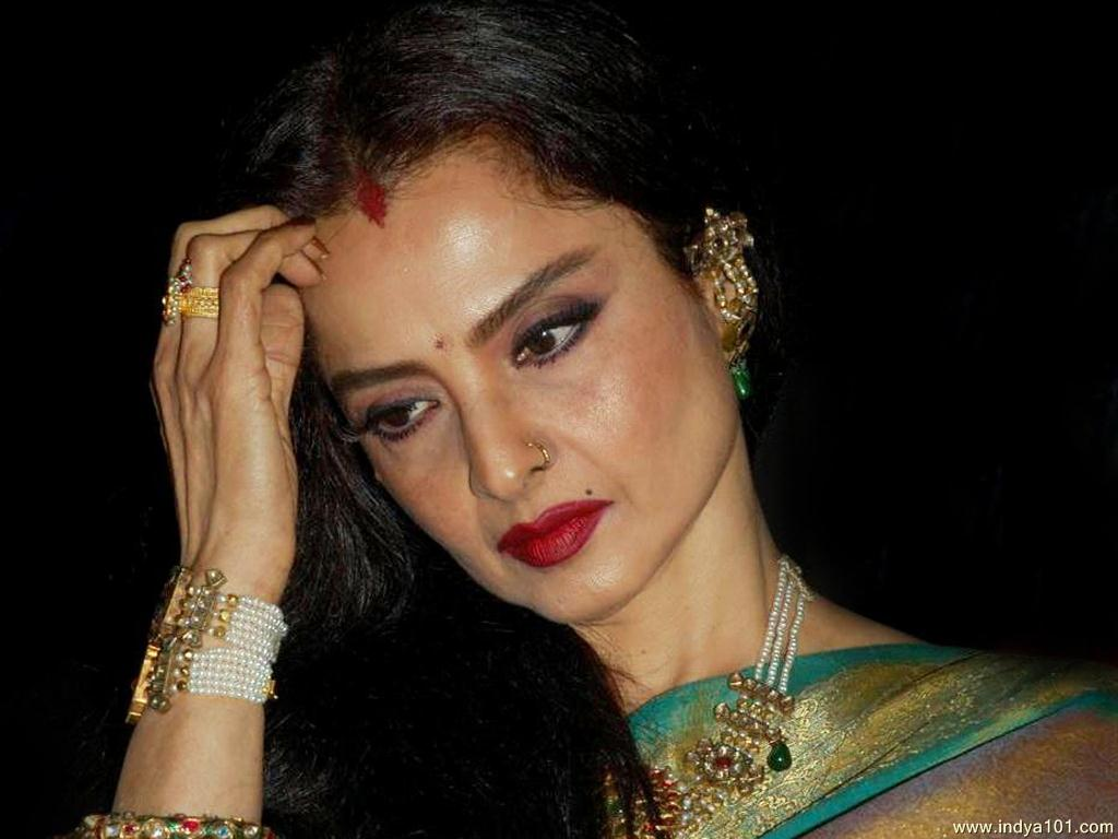 Rekha Pictures - 500 Collection HD Wallpaper