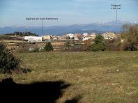 Sant Bartomeu del Grau i el Puigmal des de la plana del Puig Cornador