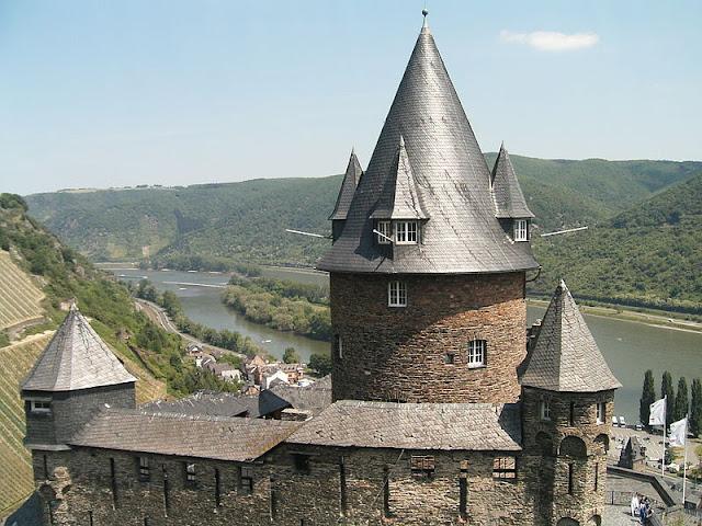 Rio Reno Castelo