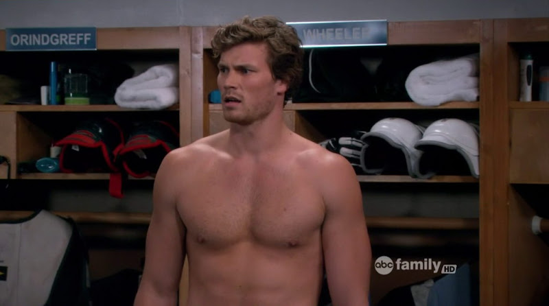 Derek Theler Shirtless in Baby Daddy s1e06