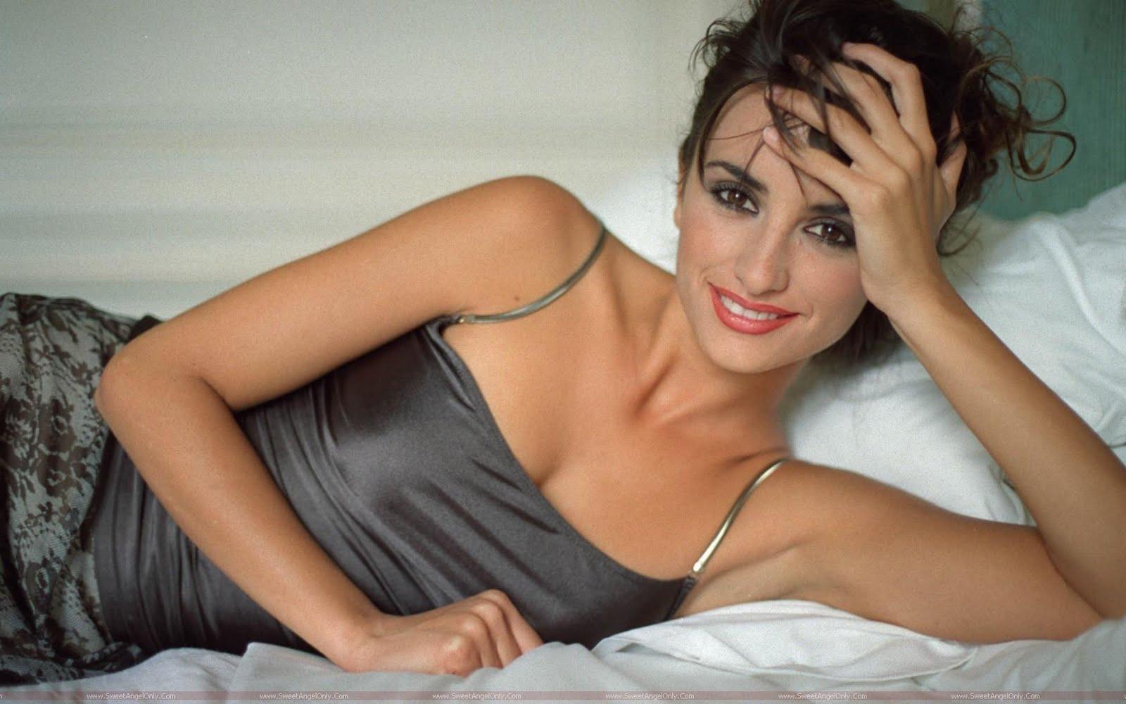 http://1.bp.blogspot.com/-DhcK01sSudU/Ti7KgLrAYCI/AAAAAAAAHs4/cuTthY-MRpk/s1600/Penelope-Cruz-actress.jpg