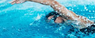 Benefícios das atividades aquáticas no desenvolvimento motor de bebês