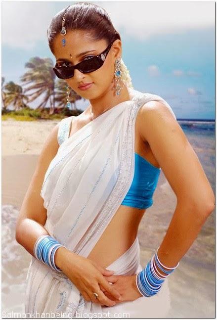 Anushka shetty hot hd wallpaper in saree