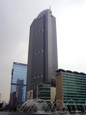 http://www.asalasah.net/2013/03/gedung-gedung-tinggi-yang-terkenal-di-jakarta.html
