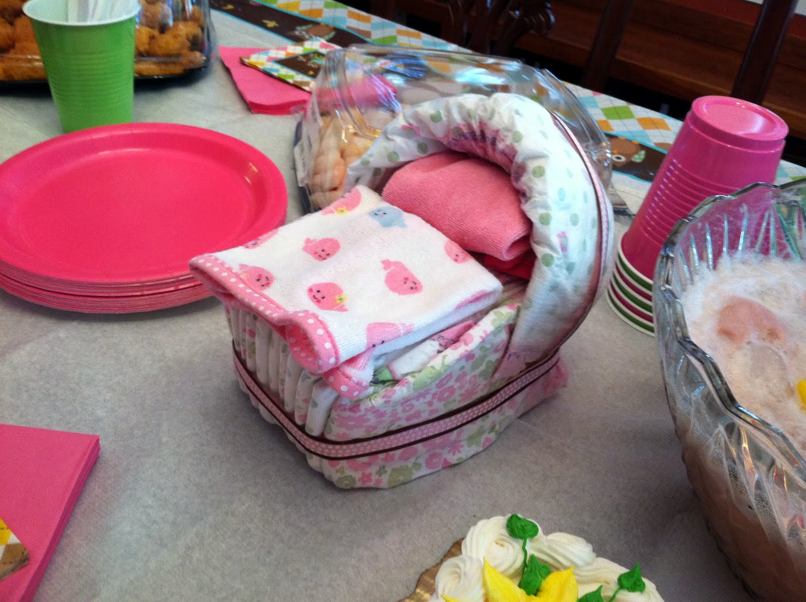 Baby Shower Ideas For The Office ~ Pinkie and the bean office baby shower
