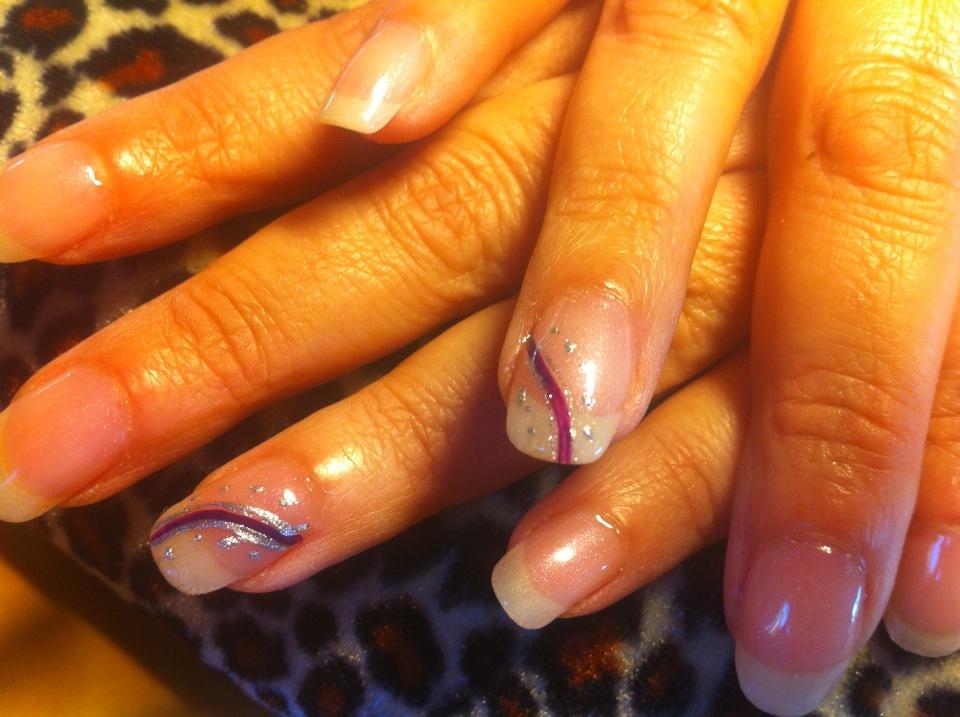 Aquí os pongo nuevos diseños de uñas espero que os guste.