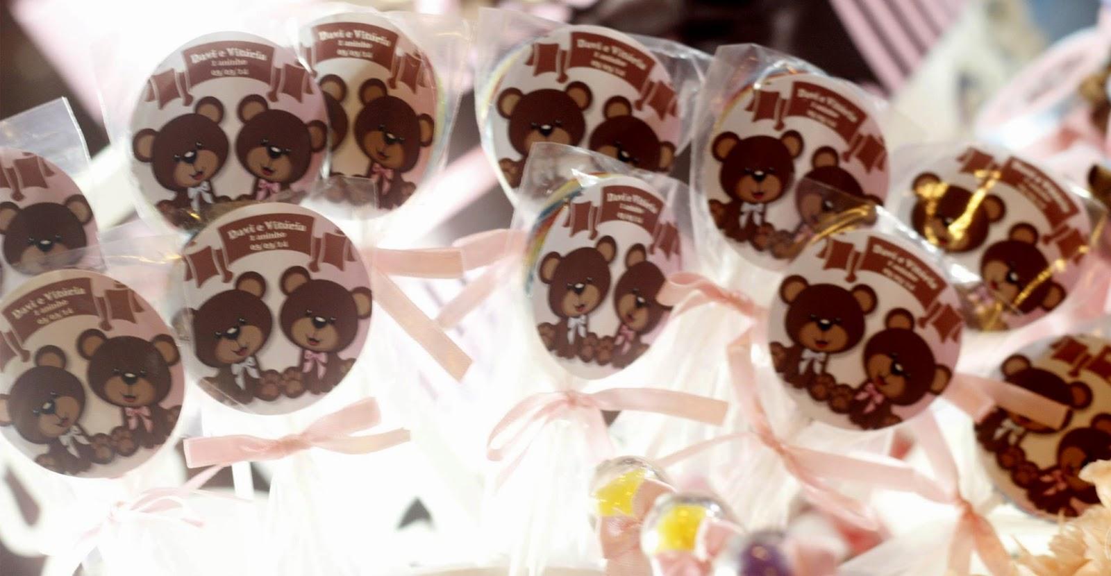 Aniversário de gêmeos: Ursos Marrom com detalhes em Azul e Rosa