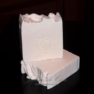 Jabon-crema-rosa-mosqueta