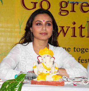 Rani Mukherjee in Pure White Lucknowi Chikan Suit