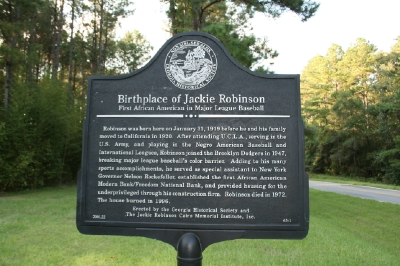 a description of jack roosevelt robinson born in cairo georgia Jack roosevelt robinson was born january 31, 1919 he was born in cairo, georgia and was the youngest of five children he had a grandfather that was a slave, jackie's dad was a sharecropper and mallie, jackie's mother, was a maid.