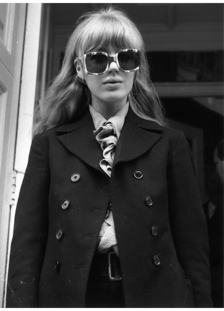 70's style, peacoat, Marianne Faithful