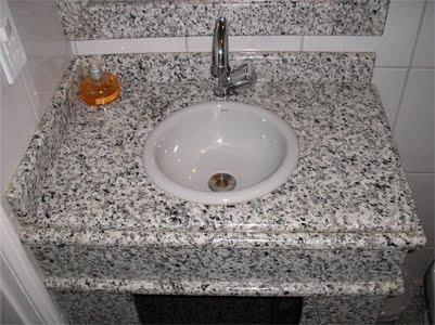 lavatório no granito cinza