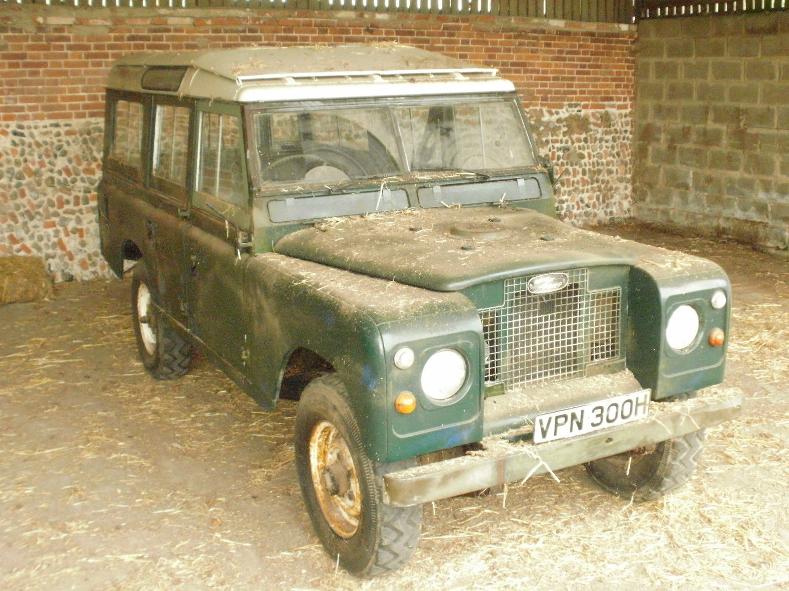Barn Find 1970 Land Rover Series 2A