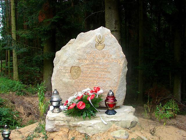 Pomnik odsłonięty w miejscowości Posada 1.09.2007.