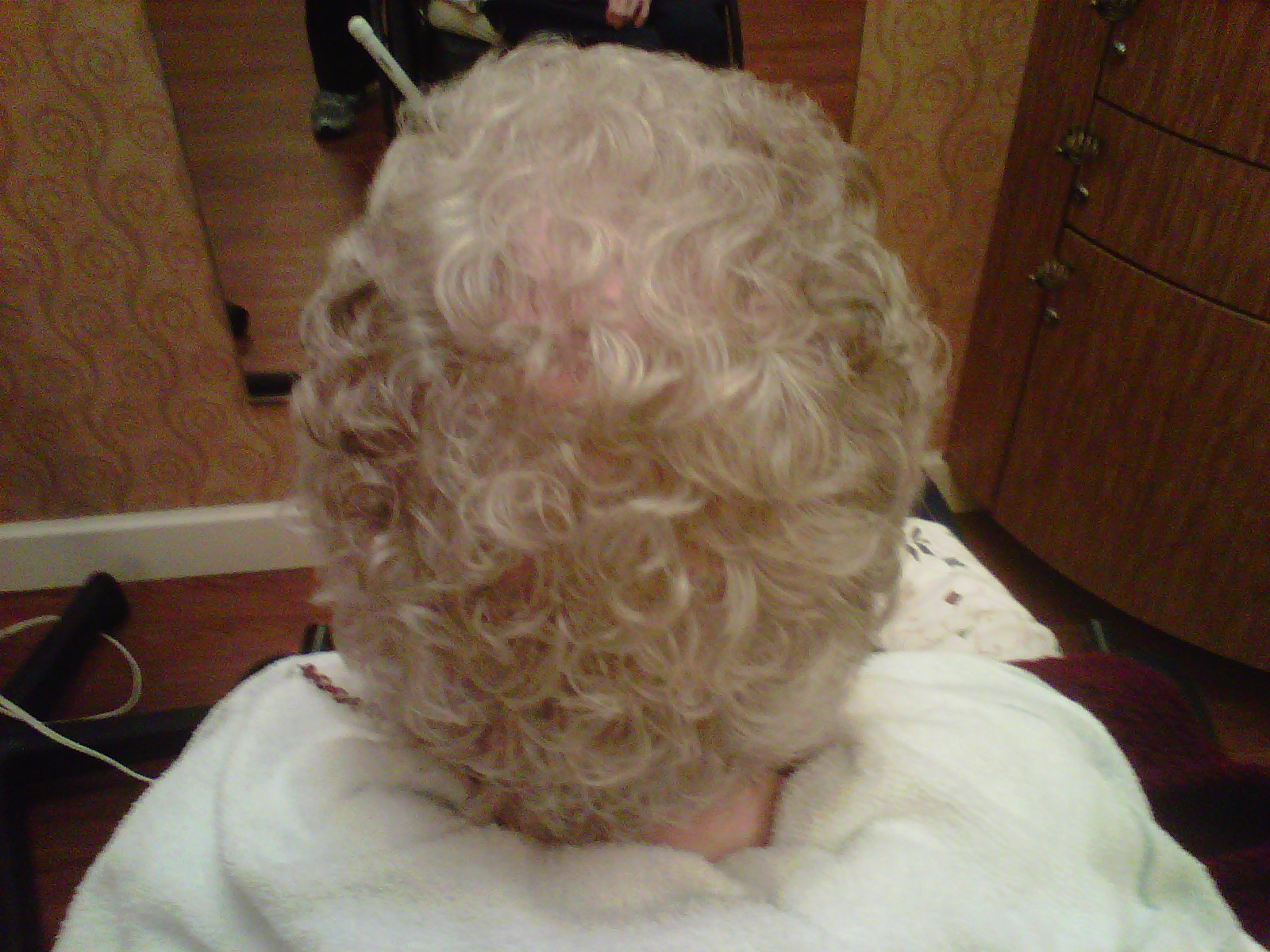 Phenomenalhaircare perm rods from straight to curly i had to complete a curly perm or a permanent wave on an elderly client recently and i realized that the blue perm rods deliver the best curl pattern solutioingenieria Images