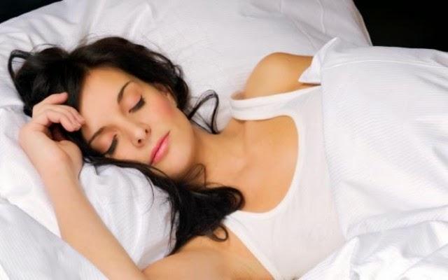 Akan Lebih Sehat jika Lepas Bra Waktu Tidur