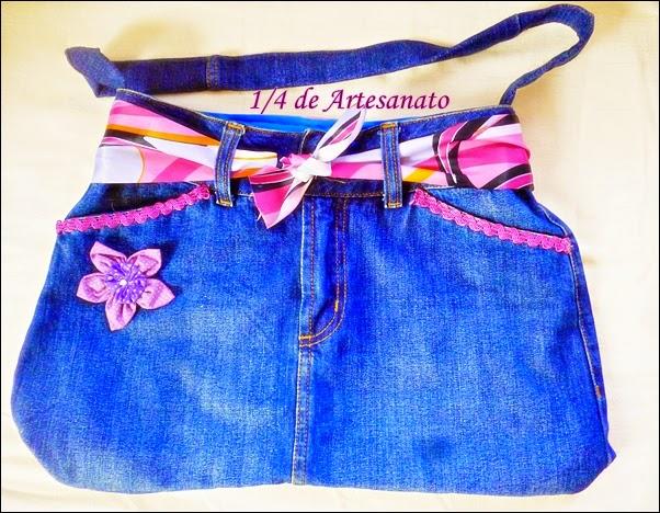 linda bolsa feita com saia jeans reciclada