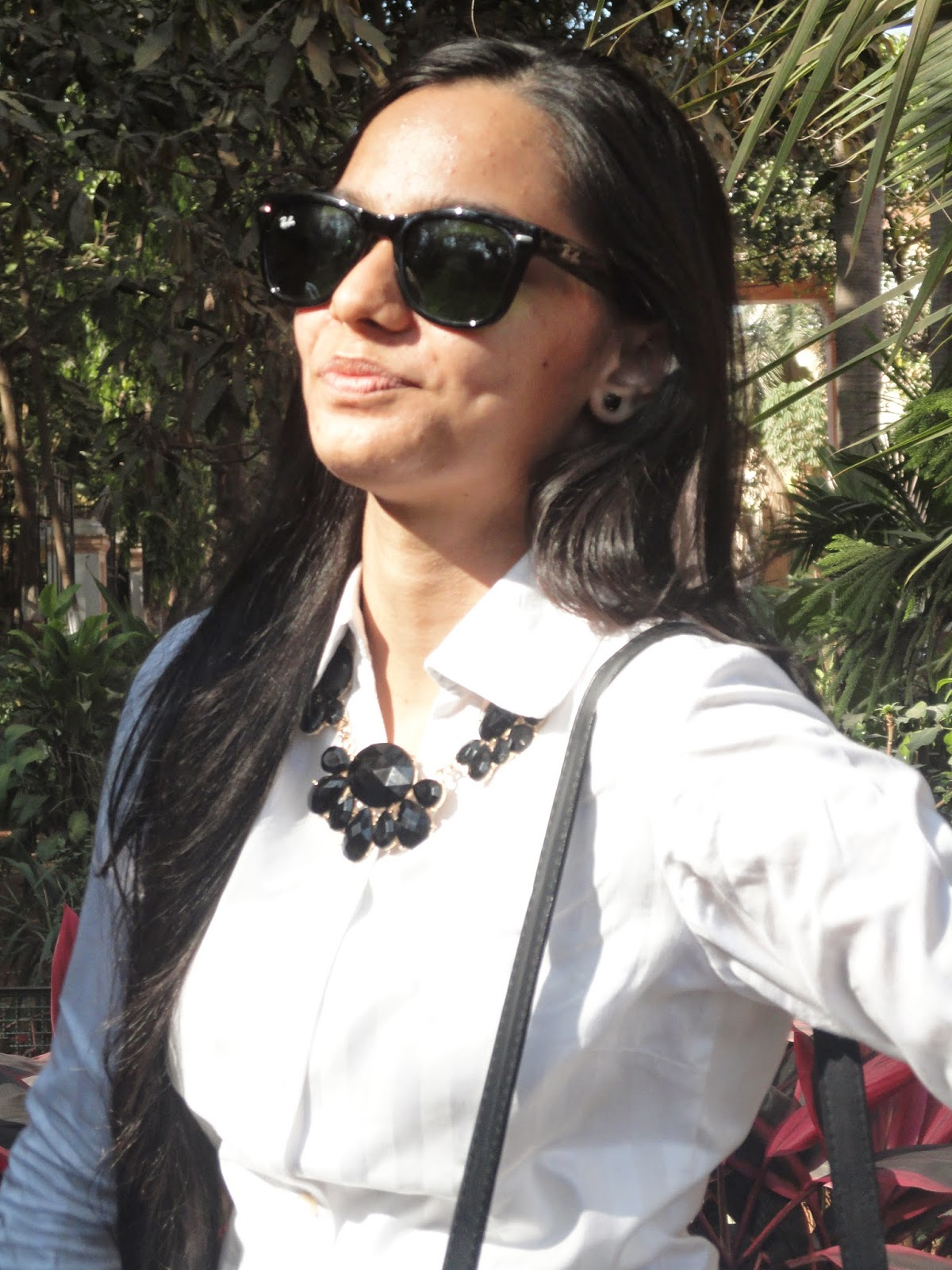indian fashion blogger, mumbai fashion blog, workwear outfits, everyday fashion, look for less, thrifty fashion, street shopping in mumbai, statement necklace, jewellry