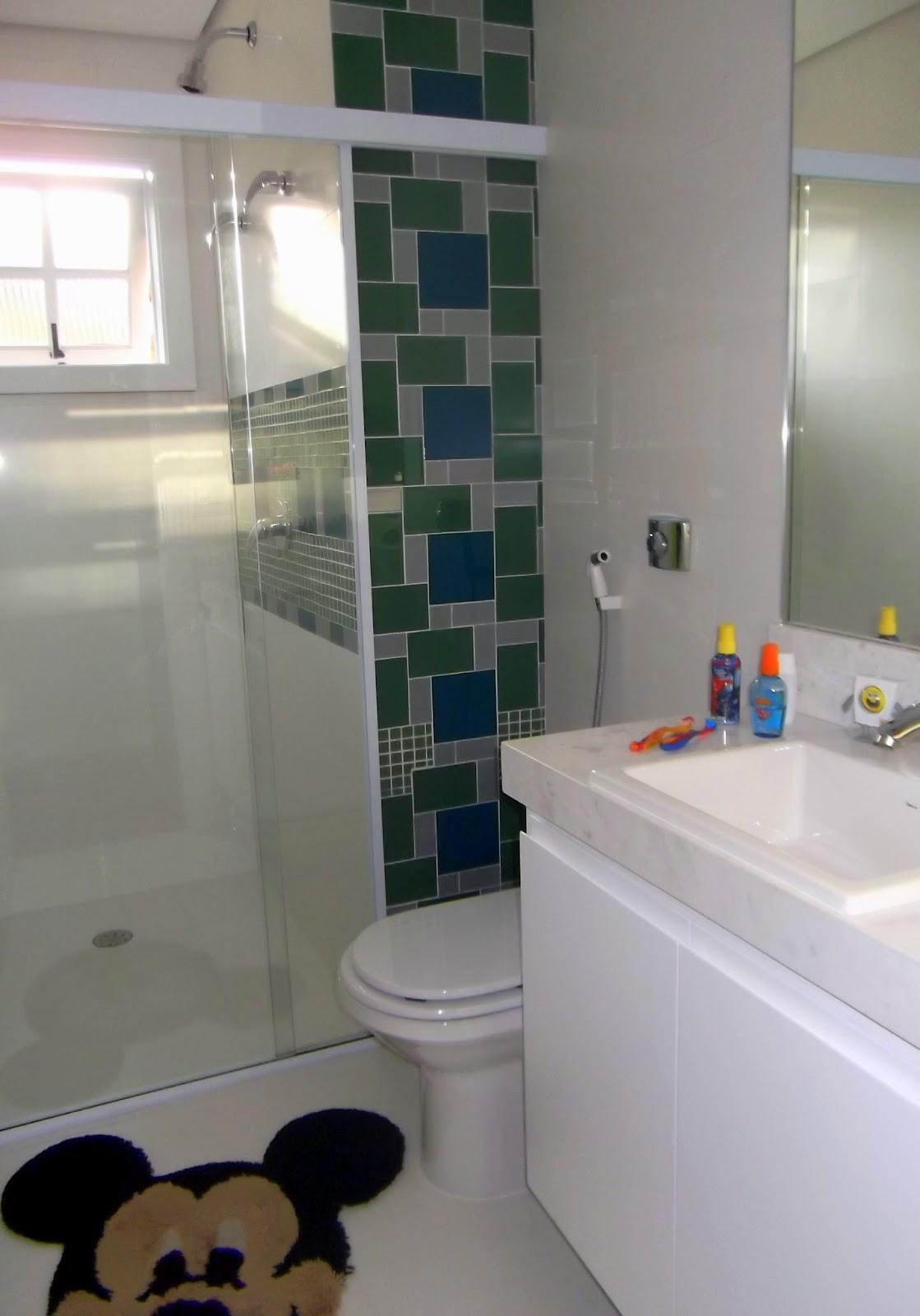 Indicações e Dicas referente Arquitetura Decoração Arte e Design #604830 1119x1600 Banheiro Branco E Azul