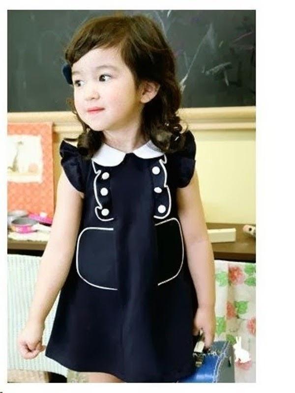 Anak perempuan cantik memakai dress korea model terbaru