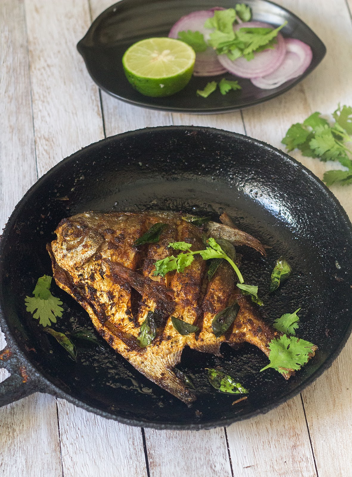 Learning to cook pomfret fry kerala style easy fish fry for Fish fry recipe