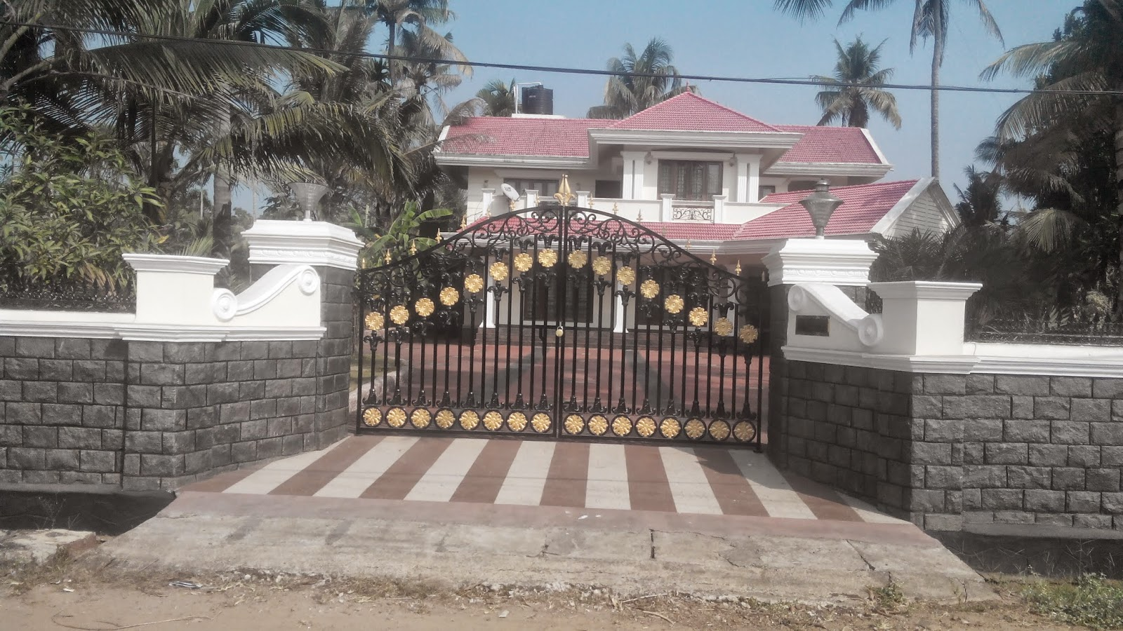 Kerala gate designs front gates of kerala houses for Front gate design