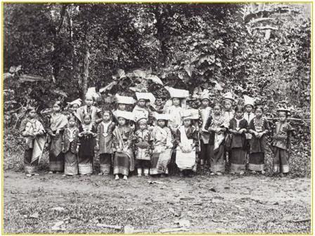 Pakaian Adat Perempuan Batipuah tempo dulu