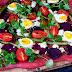 Vegetarische Rote Rüben Pizza mit Spargel und Ei