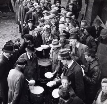 1945 - Gaarkeuken in Amsterdam