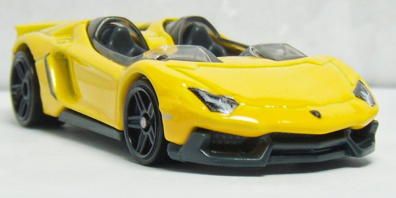 Two Lane Desktop Hot Wheels Lamborghini Aventador Coupe J Concept And Reventon Roadster