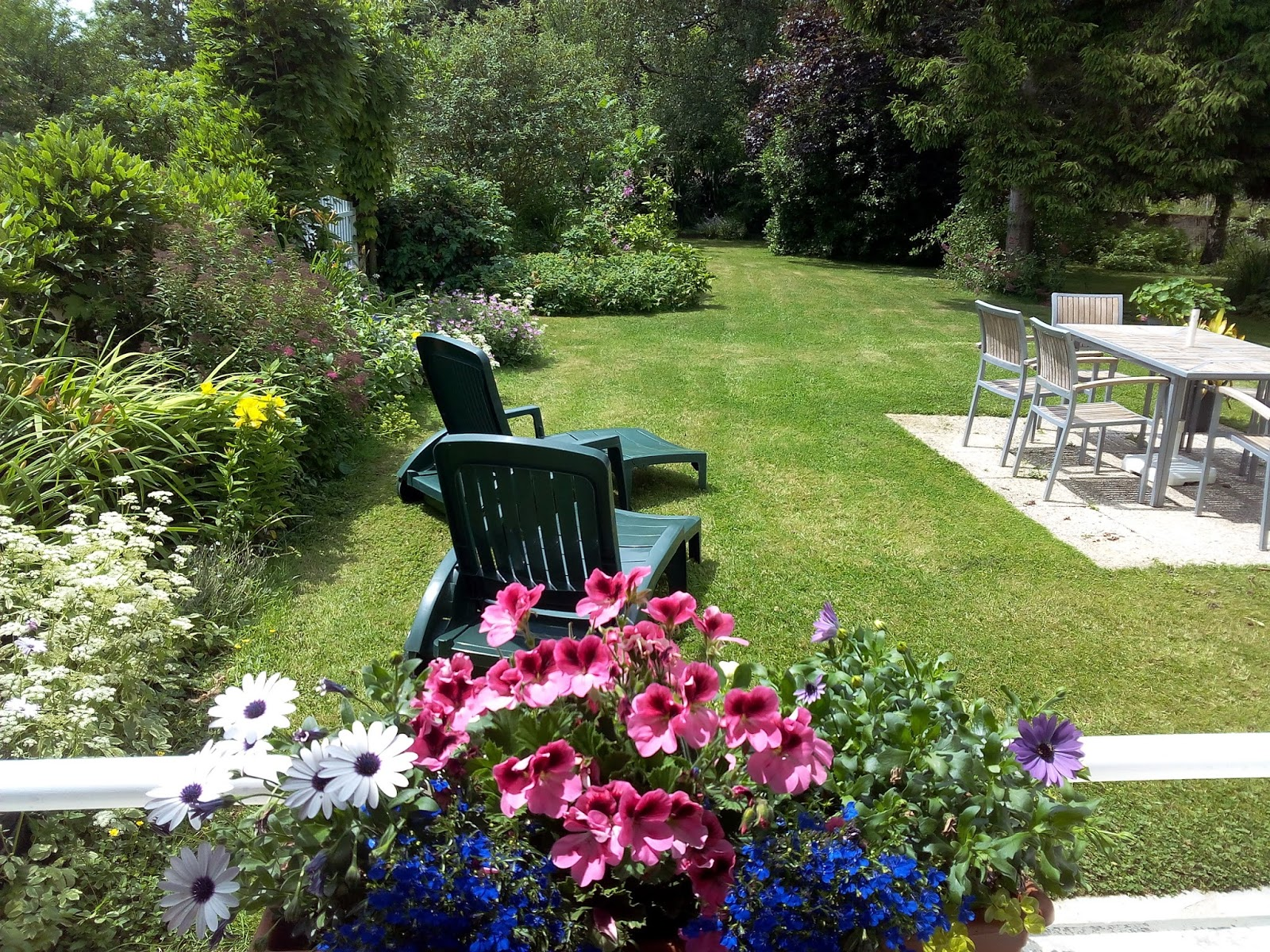 Some Private Gardens Will Be Open Today All Over Brittany. See This Web  Site Here For More Information.