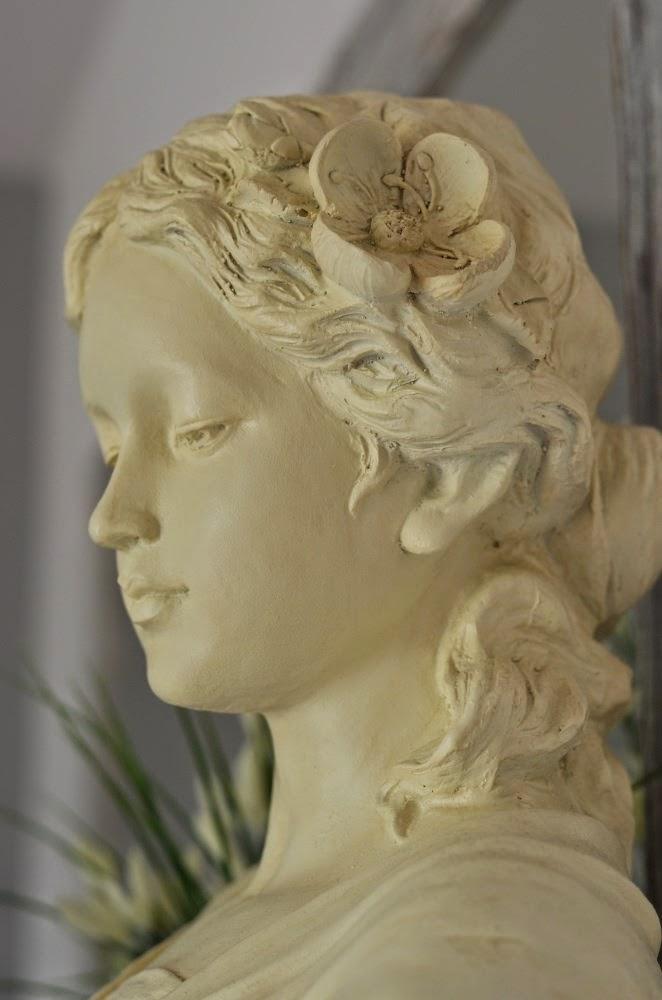figura antyczna, malowanie na biało
