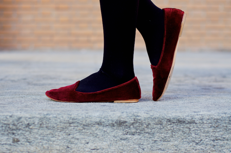 velvet loafers burgundy color