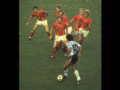 Italia - Precisini della Fungia, 0-4: per un pelo Diego-Maradona-Argentina-Belgium-World-Cup-19_1496823