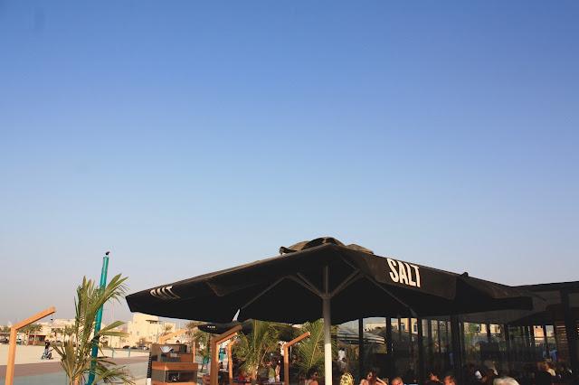 burgers at Kite beach