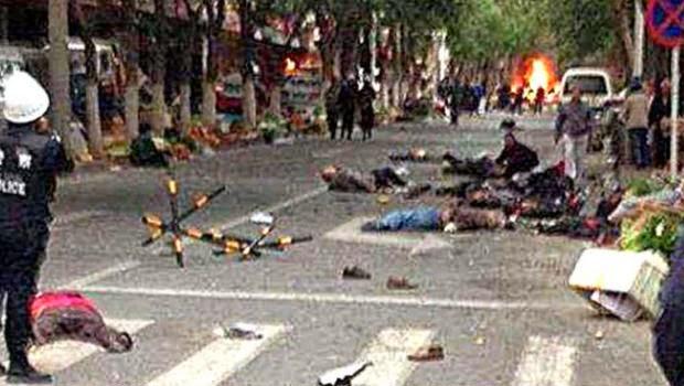 Puluhan Orang Tak Dikenal Menyerang di Xinjiang, 39 Orang Tewas