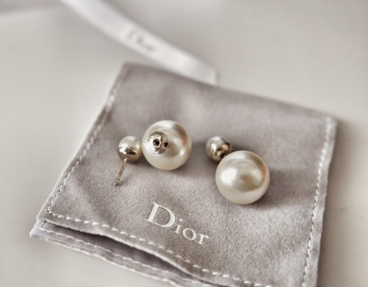 off white pearl Mise en Dior Tribal earrings
