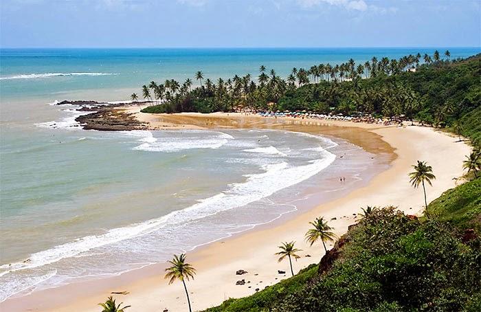 Olhando a Praia de Coqueirinho do alto