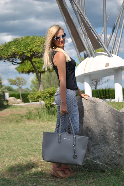 mariafelicia magno fashion blogger color block by felym occhiali da sole italia independent pantaloni stampa vichy come abbinare la stampa vichy abbinamenti stampa vichy how to wear  vichy print vichy print outfit outfit stampa vichy outfit estivi summer outfit outfit settembre 2015 mariafelicia magno fashion blogger colorblcok by felym sandali pollini summer outfit  fashion blog italiani fashion blogger italiane blog di moda blogger italiane di moda ngham gingham print how to wear gingham print gingham outfits