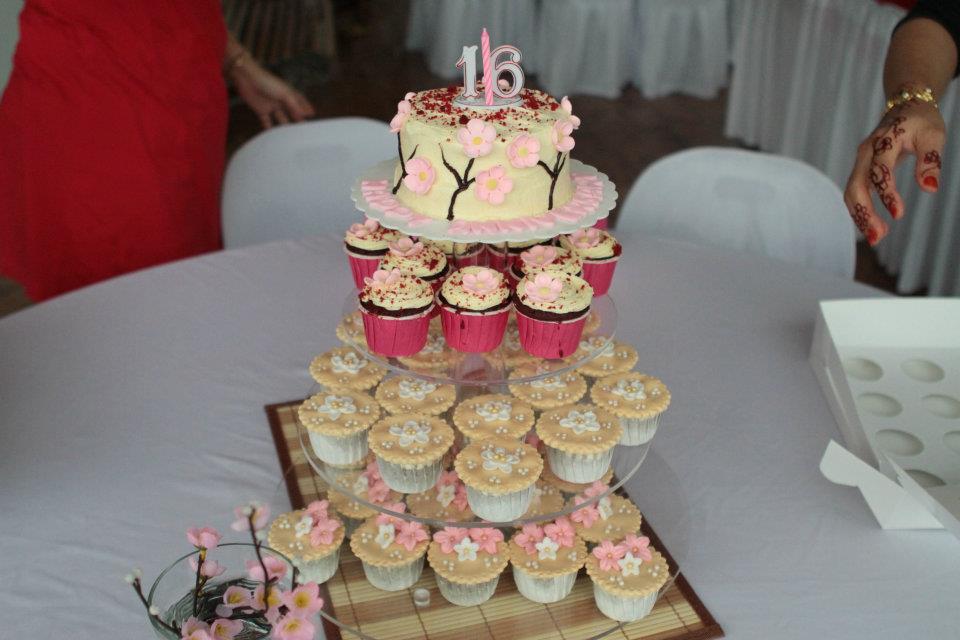 Pn Mariah 16 th Wedding Anniversary
