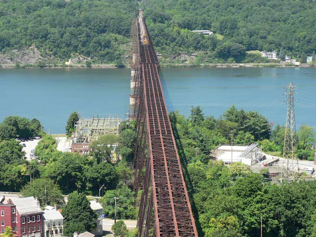 POUGHKEEPSIE BRIDGE, NEW YORK
