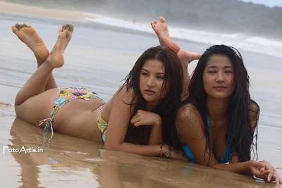 Hot Bikini Artis Masayu Anastasia and Friends