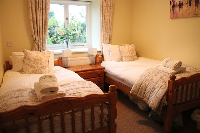 twin bedroom in hire cottage in lake district