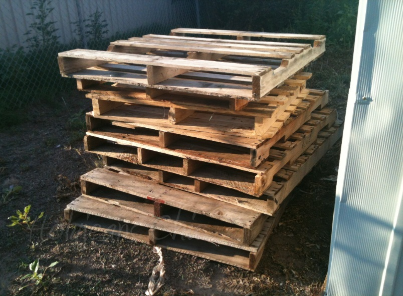 New DIY Projects....I am one Happy Gal! Wood Pallets, Console TV, and ...