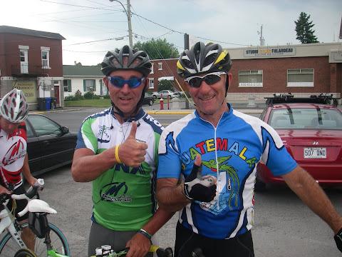 Marc ( Desmarais Sport ) et moi très satisfaits de la grande réussite de l'événement.